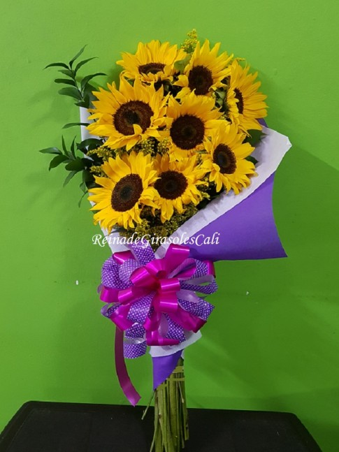Bouquet de Girasoles x 8